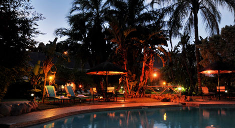 Cresta Thapama Hotel - Francistown - Evening